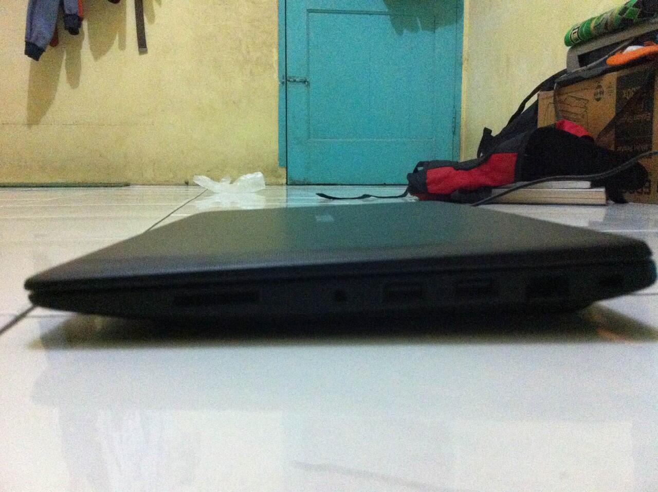 Asus x200ca 11,6' warna Hitam