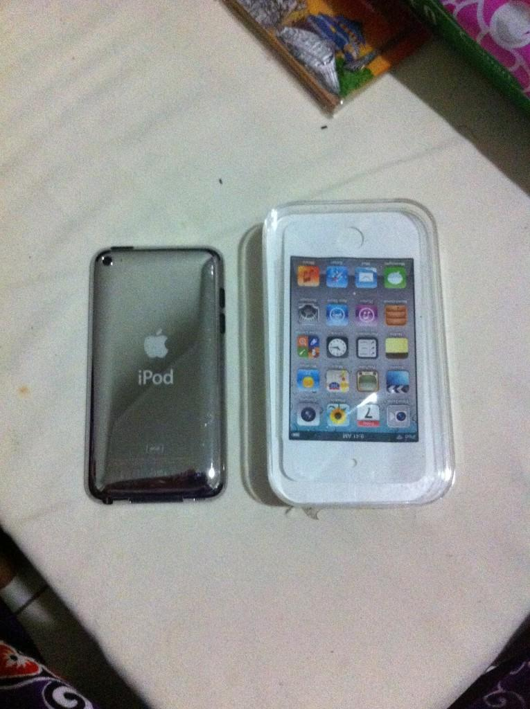 JUAL IPOD TOUCH 4th GEN 8GB WHITE