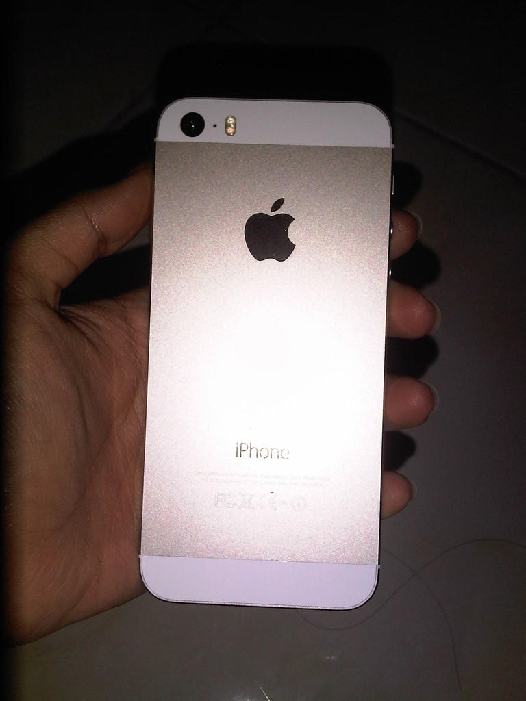 JUAL IPHONE 5S GOLD 32GB BU BU BU
