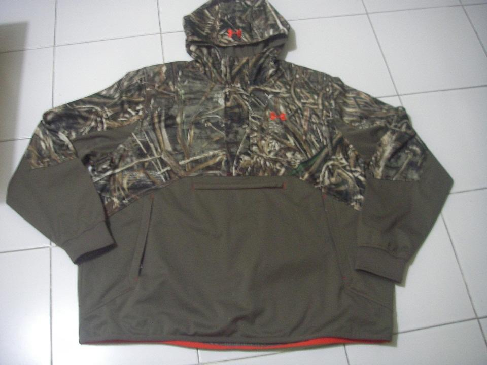 Terjual Under Armour Storm ColdGear Infrared Skysweeper Wind Hoodie ... da5a6725d2