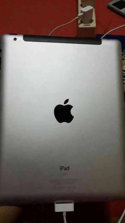 [WTS] Apple Ipad 2 32GB + Cell Surabaya
