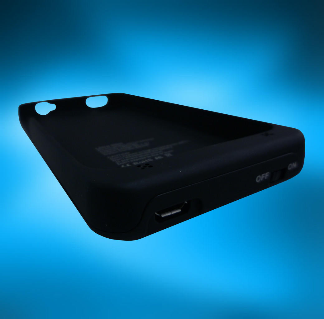 POWER BANK CASE IPHONE FOR 4/4S DF 101 (1900.mah) 'RAPID'