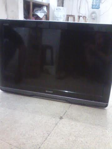 TV LCD SHARP 32''(80 CM)