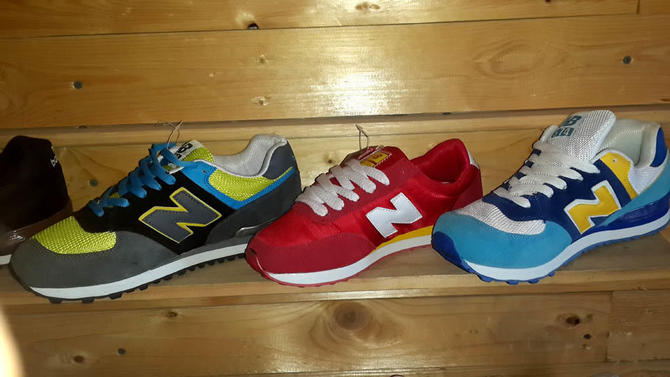 Terjual WTS Sepatu KW Grade Ori Nike Adidas New Balance