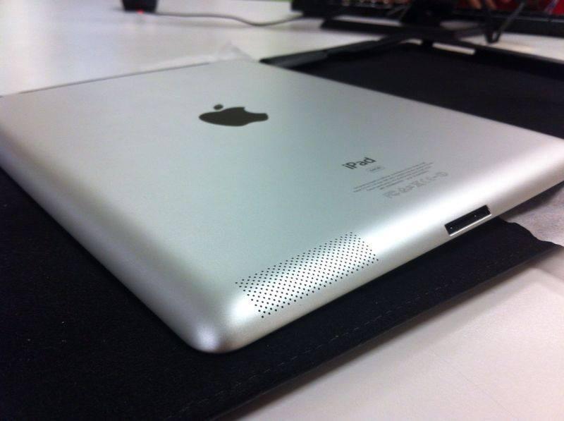 WTS IPAD 2 64 GB 3G/WIFI MULUS ABIS