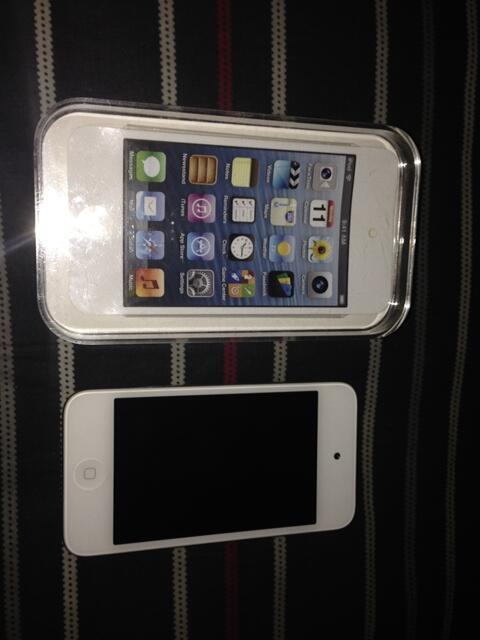 Jual Ipod touch 4G 16GB (jarang dipake, masih baru) garansi
