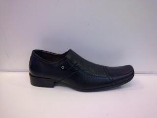 Terjual sepatu pantofel aigner f8aacb54ac