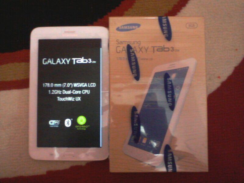 Galaxy Tab 3 (7.0) 3G+WiFi 16GB - White istemewa garansi panjang