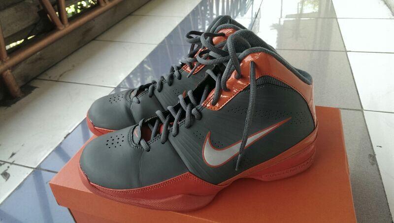 Terjual sepatu basket ori second murah  eab3bd71c0