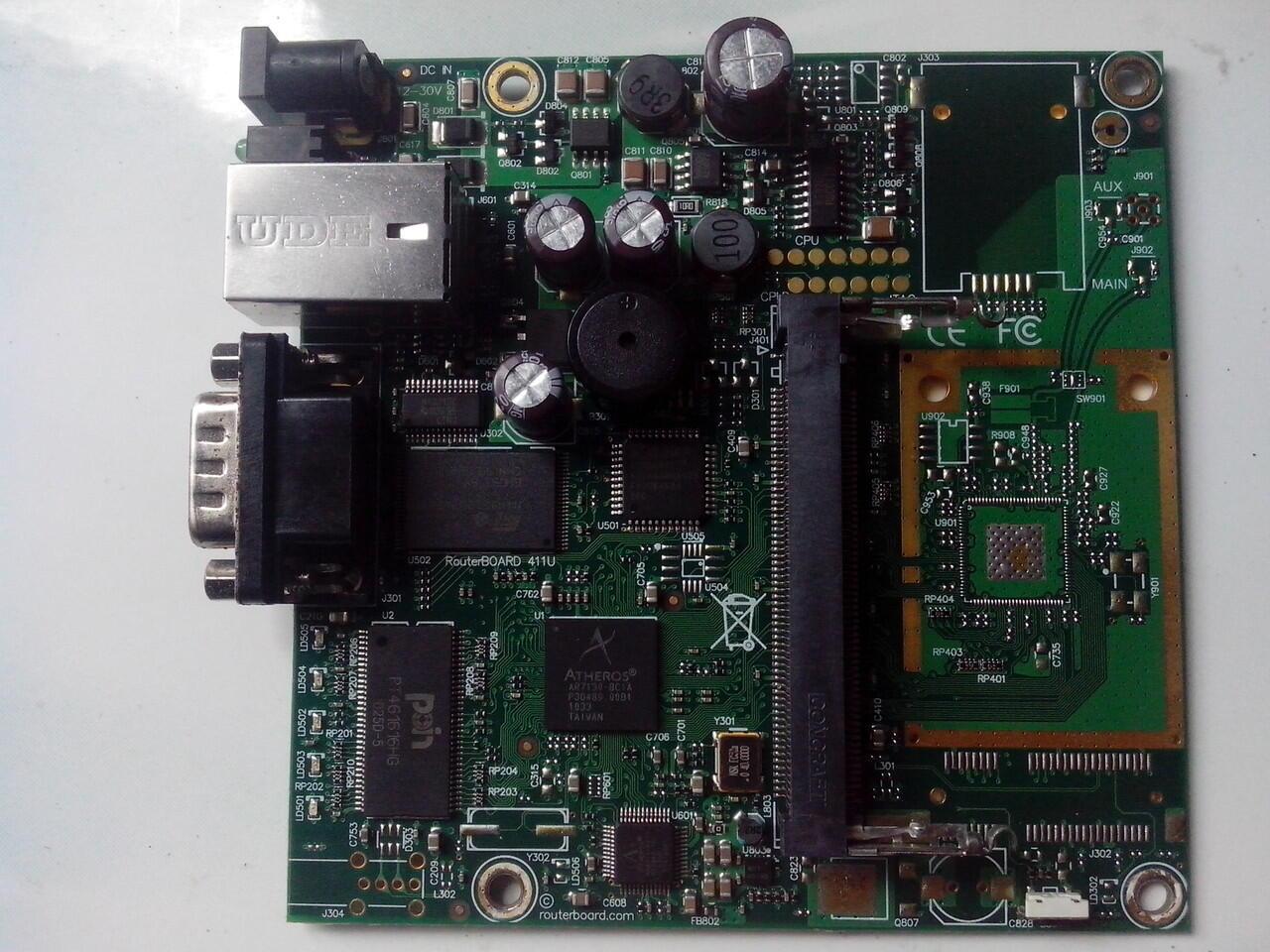 Mikrotik Outdoor RB411 + R52H Atheros Wireless MiniPCI 350mWatt ABG + Wistron CM9-GP