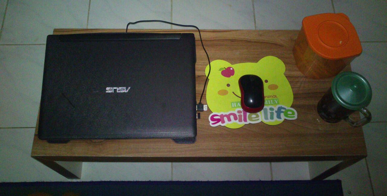 wts Meja Laptop ELEGAN