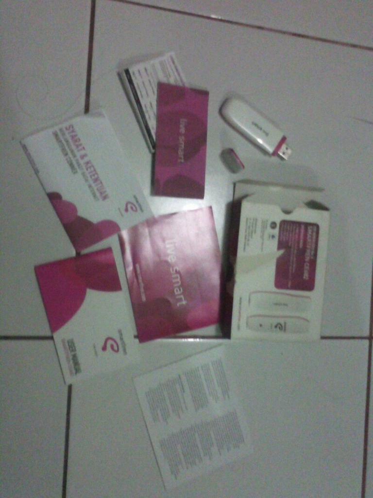 Modem smartfren CE682 mulus banget jarang dipake like new!!Bekasi Timur