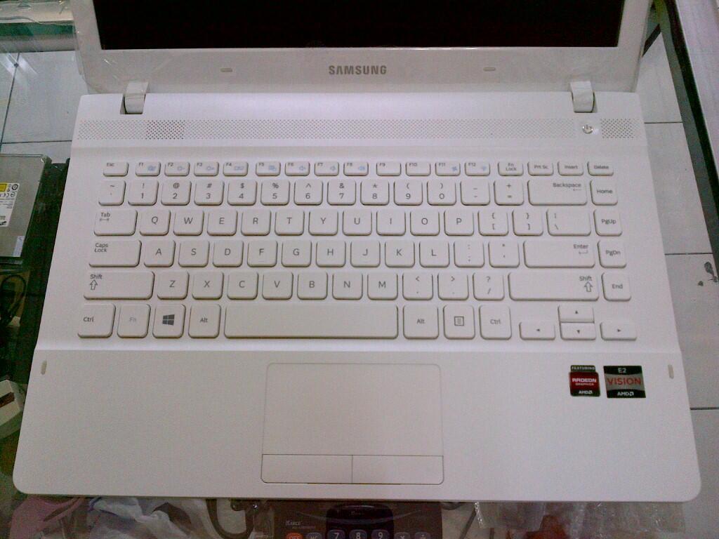 Laptop Game Samsung NP275 AMD E2 2000 1,75 Ghz 4GB 500GB ATI HD7340 2GB