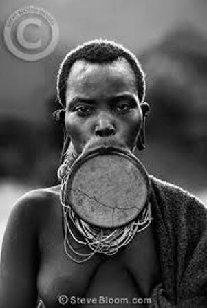 Mengenal Tradisi di Ethiopia, Semakin Lebar Bibir Wanita Semakin Dianggap Cantik