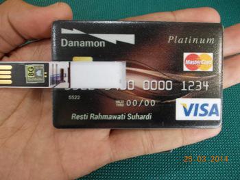 menerima pemesanan souvenir flashdisk unik rubber & kartu design