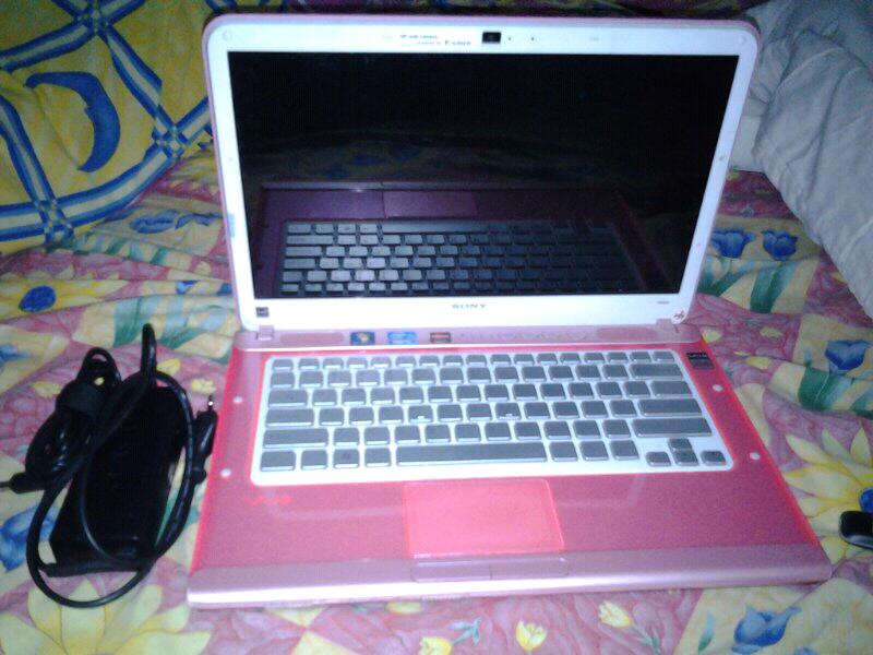 Jual laptop Sony Vaio PCW-61711W