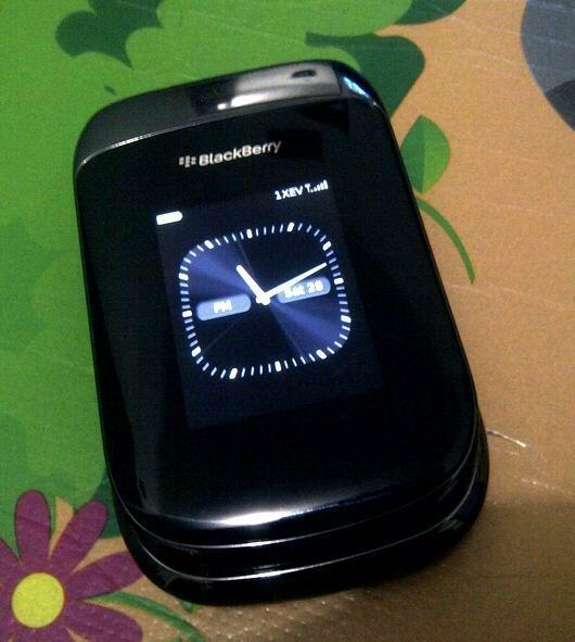 Blackberry Style 9670 Hitam Smartfren - Paket BBM aktif bisa browsing