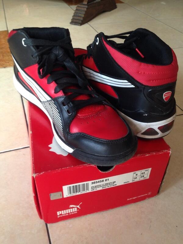 Terjual Jual sepatu   shoes Puma Ducati Hypermoto  d8f9a51a82