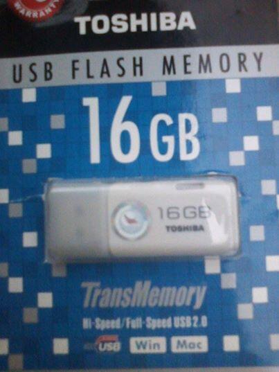 Flash disk thosiba 16GB