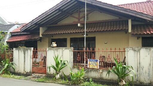 Rumah dijual daerah Pertukangan selatan Meruya bisa cash / KPR BFI