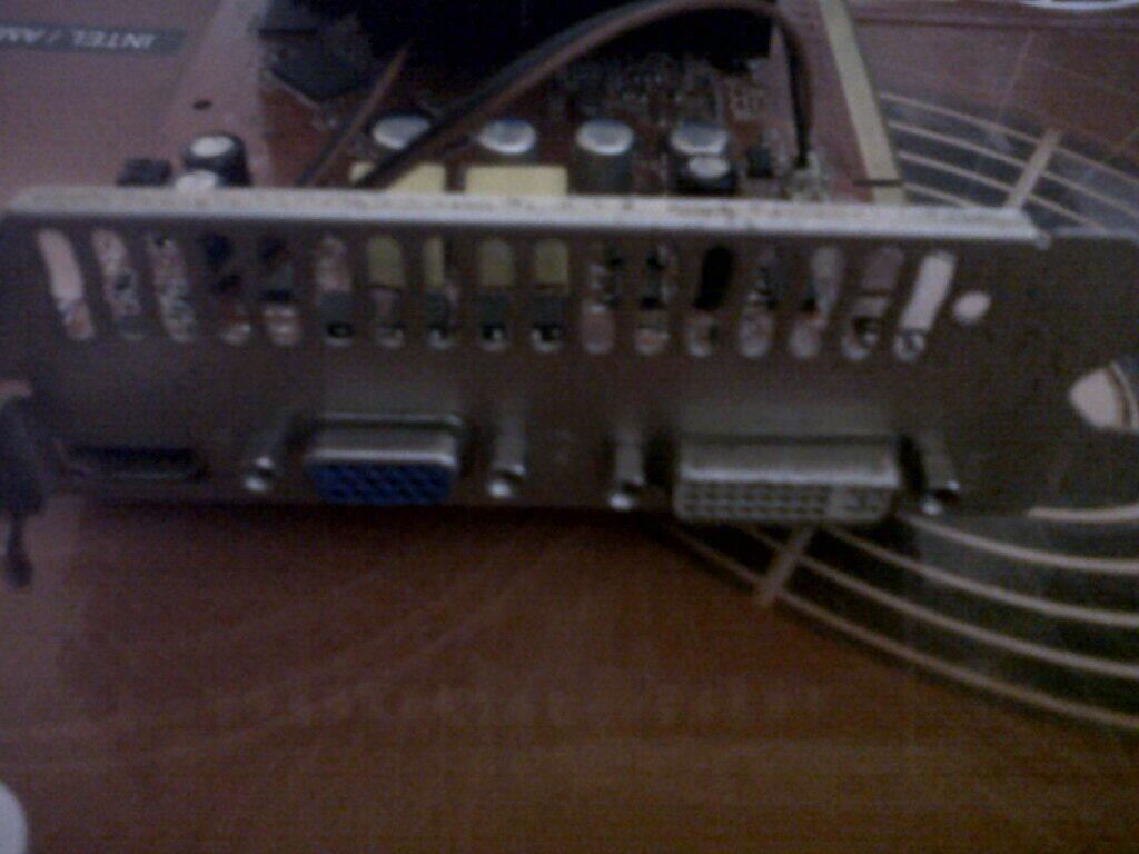 GF 9800 GT 1 GB DDR 3 COLORFUL