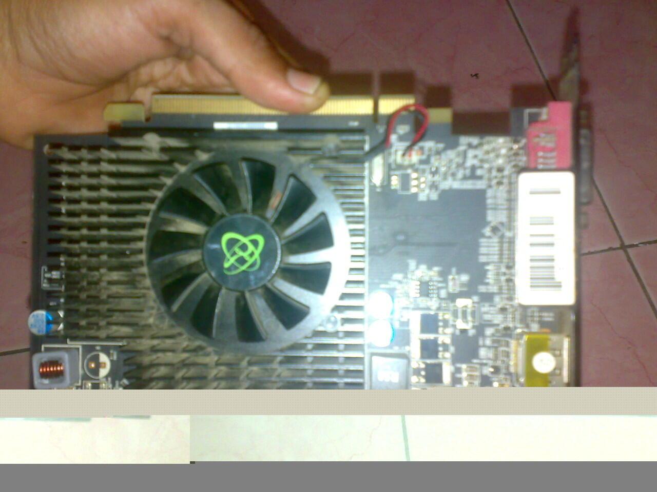 XFX ATI RADEN HD 5550 1Gb 125 bit