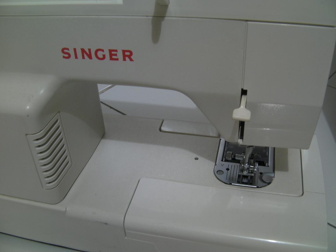 Mesin Jahit Portable Singer 2808 C Listrik