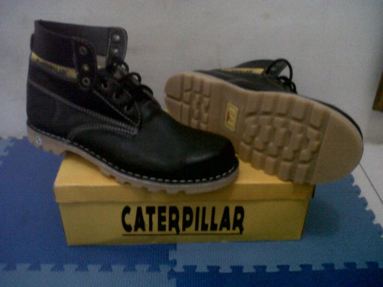 Terjual Truf Fashionable Shoes Original Clothing Sepatu Casual ... 1d4f112e03