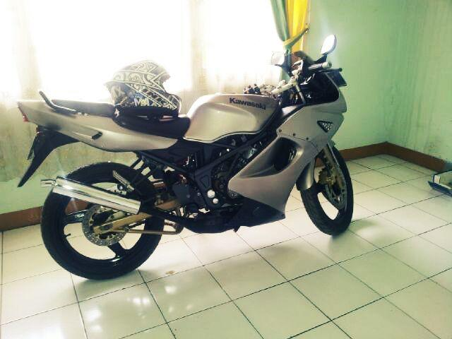 Kawasaki Ninja rr 150 th 2003