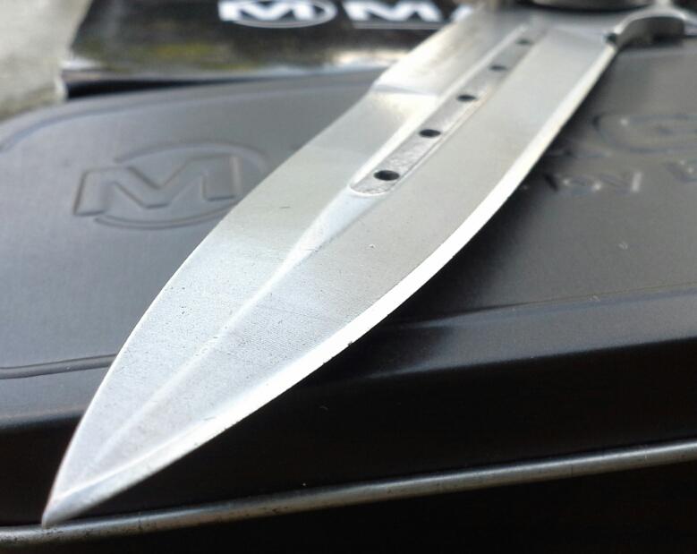 Magnum Boker Knife/Pisau
