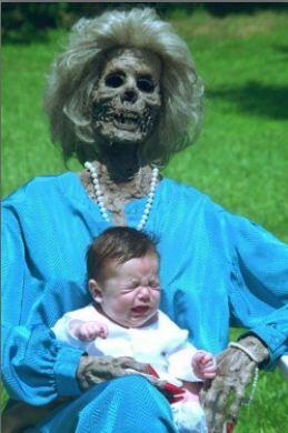 Wew, Foto-Foto Ini Bukti Bahwa Mereka Orangtua Yang Buruk!