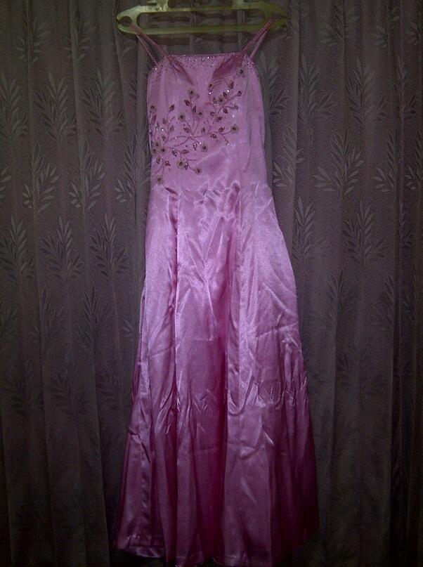 Gaun Pesta Pink Panjang
