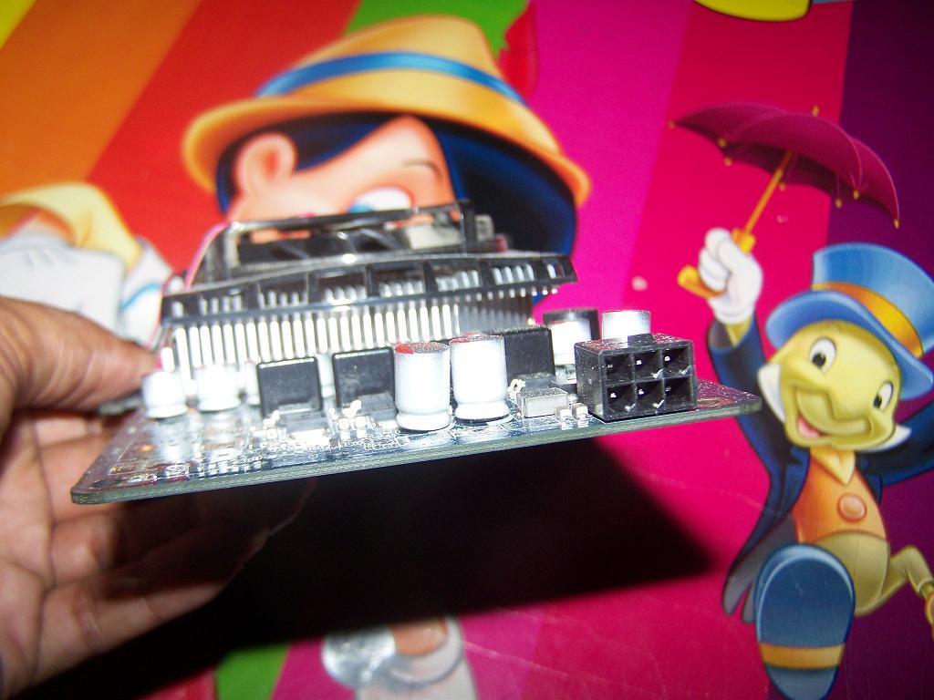 ASUS 9600GS, 512mb 128bit, DDR3