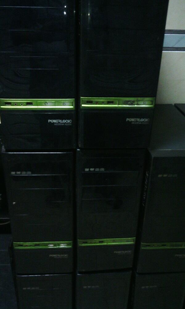 "warnet 22 unit AMD X3 440, X2 250/DDR3 2Gb/vga1gb-128bit LED 20"" wide"