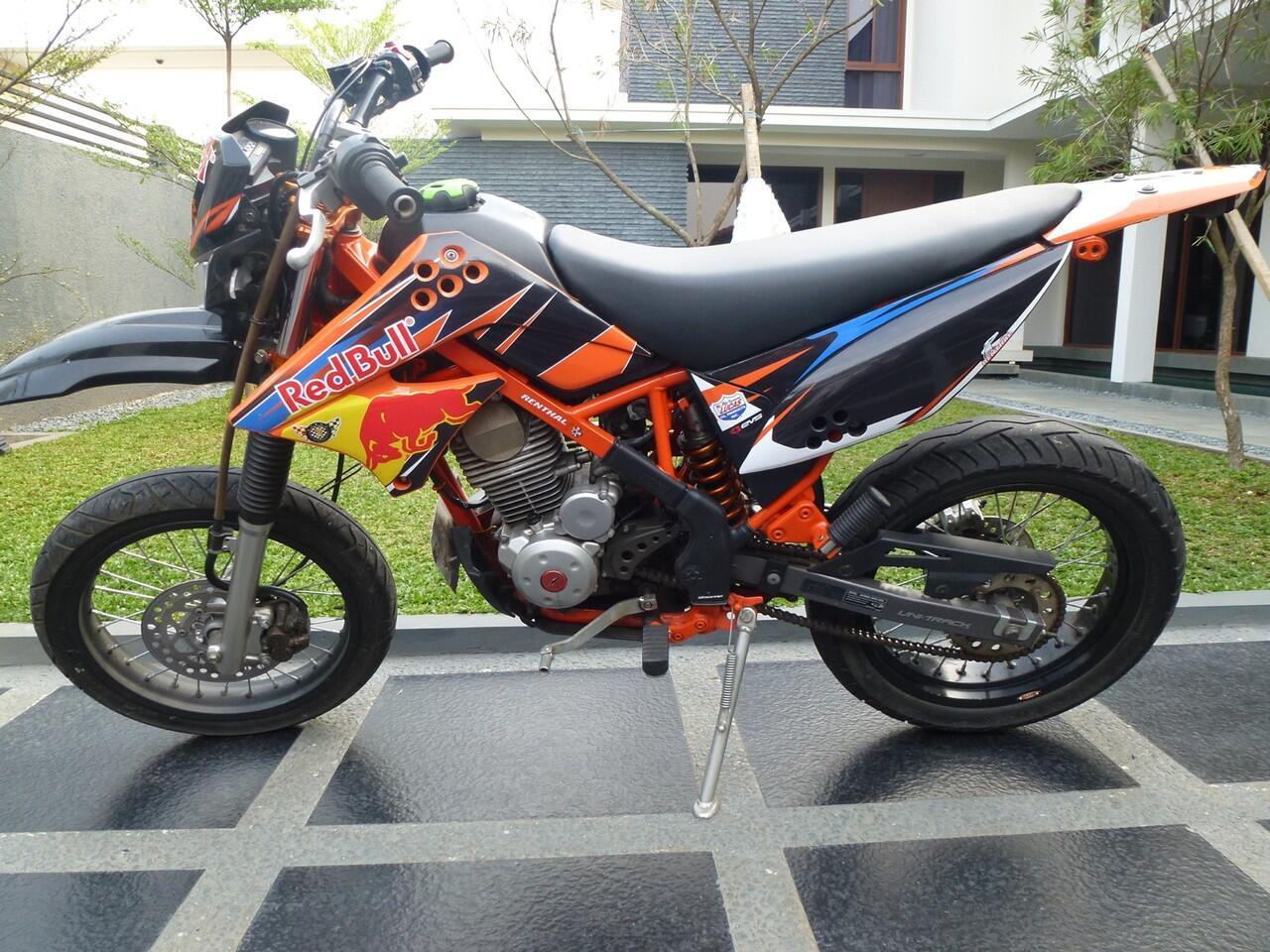 Cari Jual Kawasaki KLX 150 D Tracker Modif Supermoto 2011 KASKUS