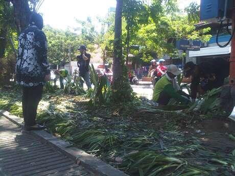 Akibat W*lls Ice Cream Day, Taman Bungkul Surabaya Rusak. Bu Risma Ngamuk