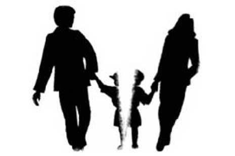 Bila maksiat awal dari keluarga, lantas bagaimana bisa bahagia?