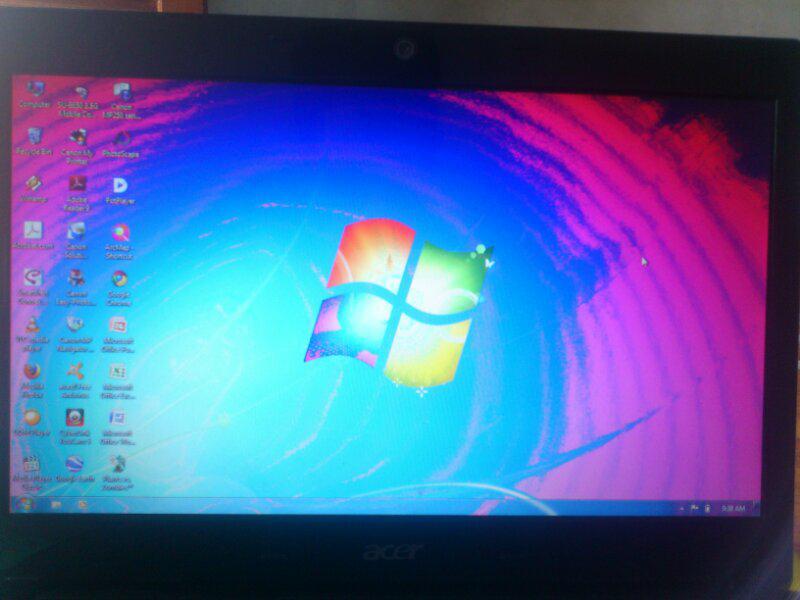 [HELP] lcd laptop warna merah gan..