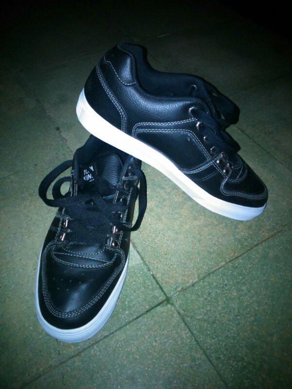 sepatu tomkins model baru