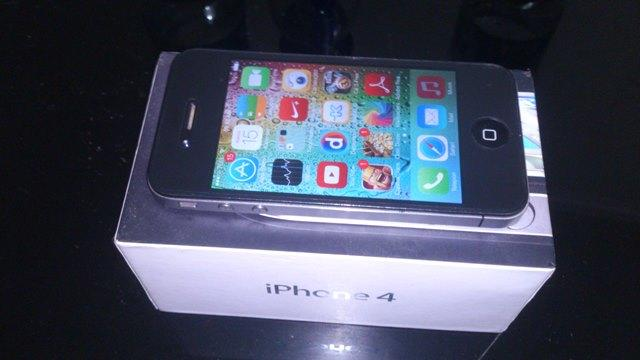 Iphone 4 black fu 16 gb