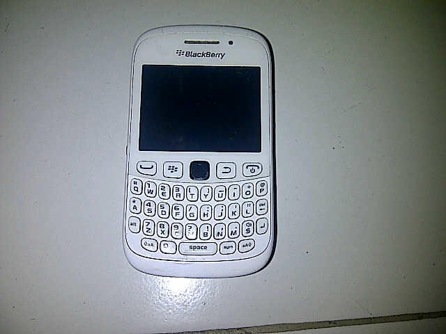 Jual BB Blackberry 9320 lengkap original murah