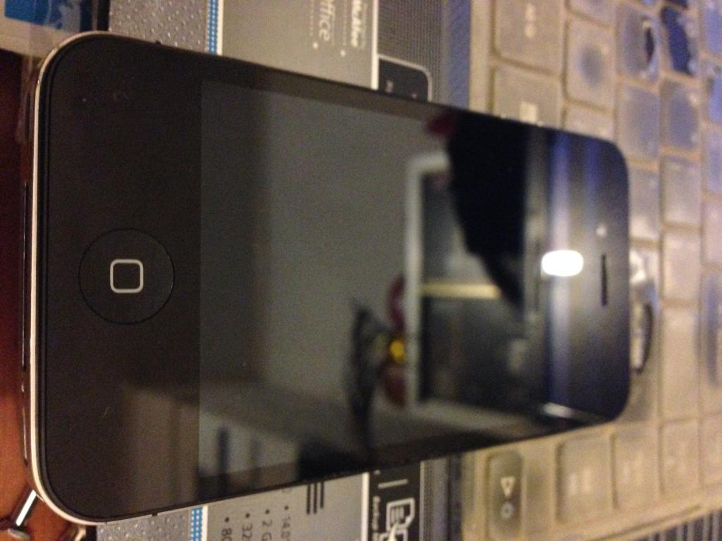 iPhone 4S 16Gb Black FU Malang Fullset No Batangan