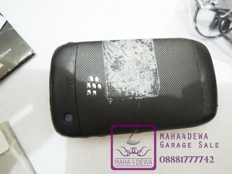 Garage Sale ! Blackberry Curve 3G 9300 Murah Apa Adanya dan Santai