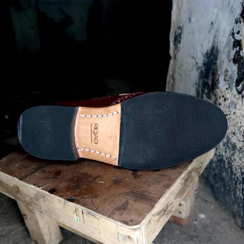 Meskipun cuma Tukang Sepatu 37bfc75e0e