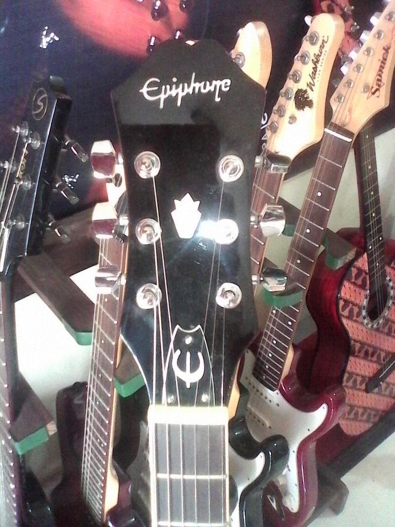 Epiphone Hollowbody Chery Apple