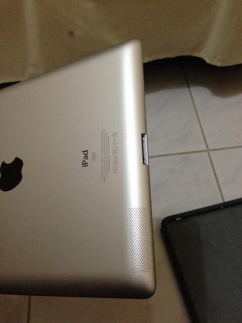 Dijual Ipad 3 Putih 64gb wifi+4g