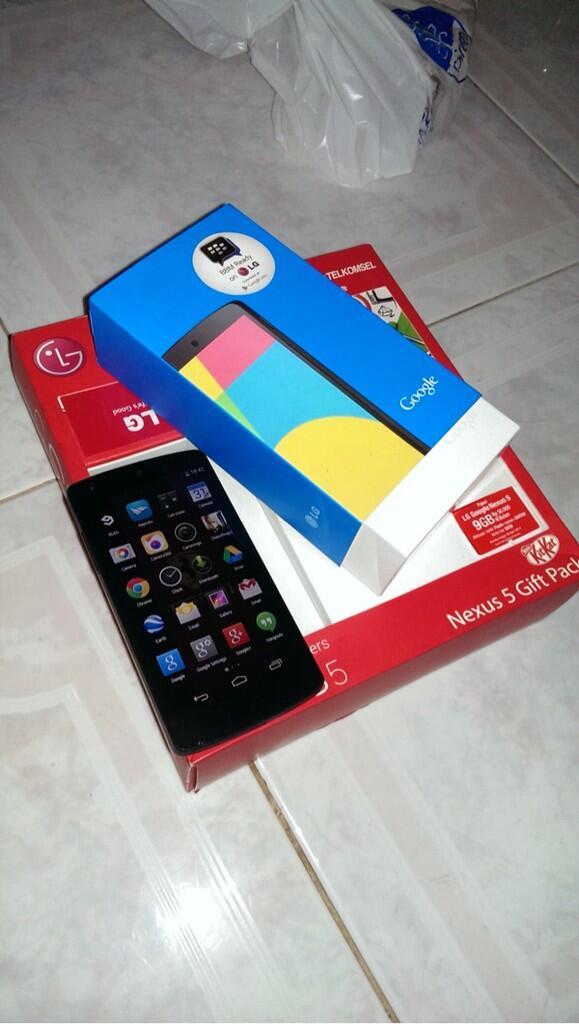 WTS Nexus 5 Black 16GB Pembelian 19 Mei 2014 Erafone Semanggi
