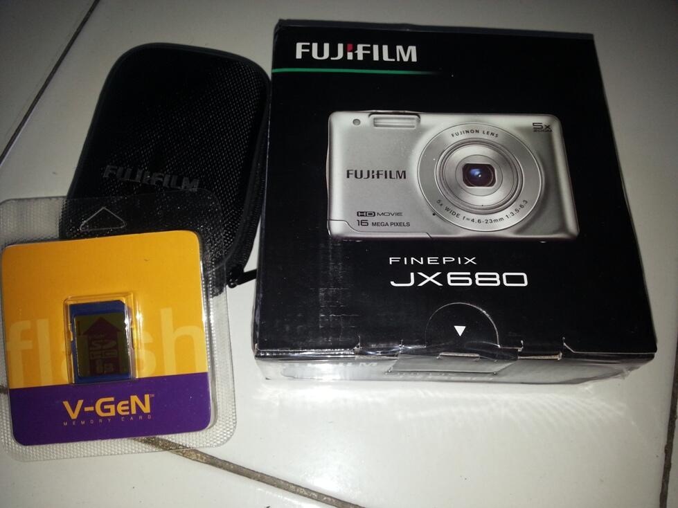 WTS BNIB FujiFilm Finepix JX680 Free 8Gb + Pouch+MMC 8GB