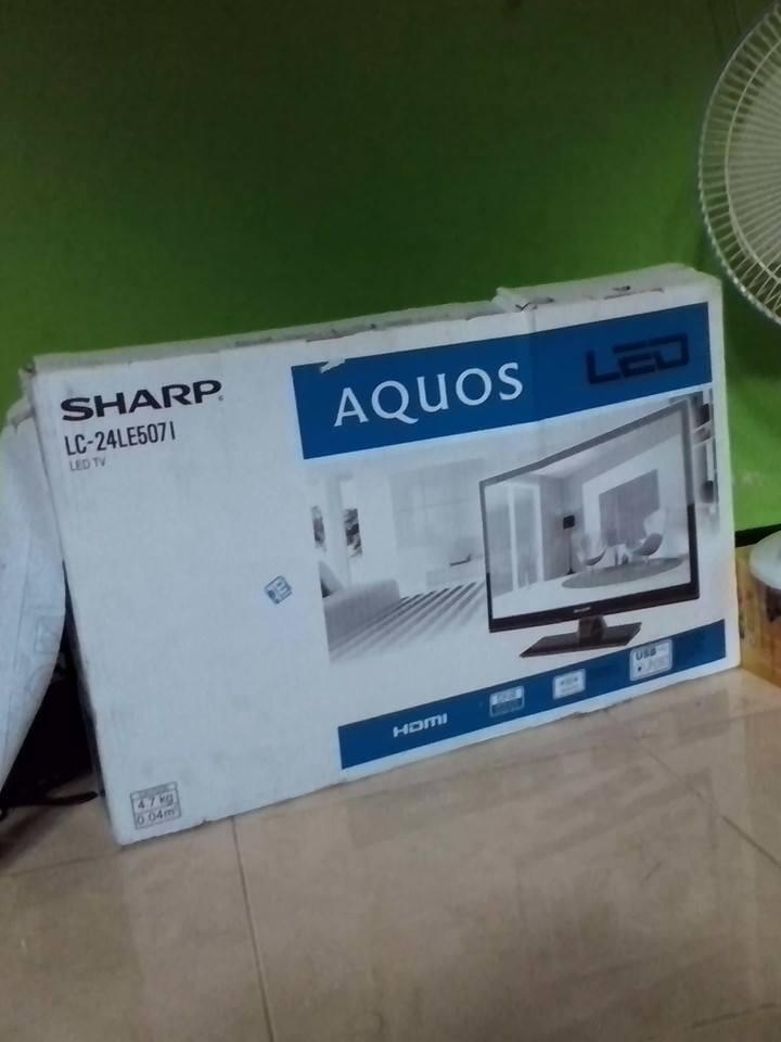 LED TV sharp aquos 24 inch