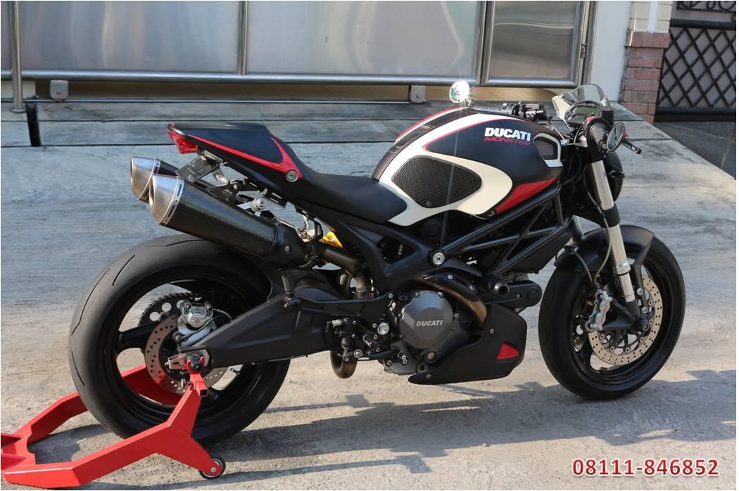 Ducati Monster 696 CBU Italy 2011 Full Branded Accs (no Z800, 795, ER6, zx6, cbr600)